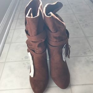 Express Brown Boot New
